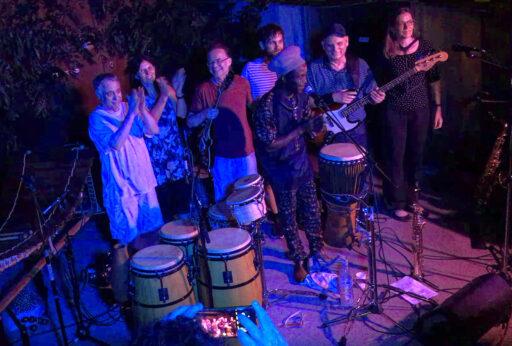 Voix du Bois live 2021, v.l.n.r. Flavio, Lucia, Lukáš, Manuel, Seydou, Michael, Thekla